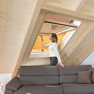 Designo-R7---Top-Swing-krovni-prozor