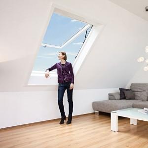 Designo-R8---Premium-Klap-Swing-krovni-prozor